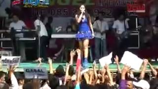 Reza lawang sewu - TKW Angel Live Music Dangdut koplo Hot 2014