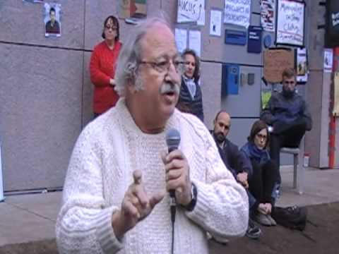 Newsparticipation - Harvard Professor Marshall Ganz talks to Occupy Boston protesters on various issues during an Occupy Boston teach in.