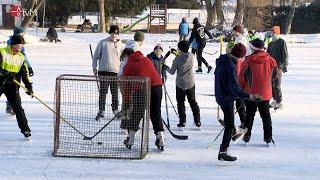 Zamrzlý rybník v Újezdě roztančil děti i dospělé