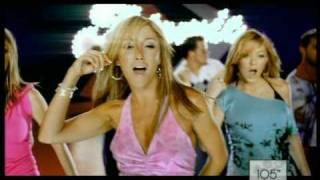 Atomic Kitten videoclip The Tide Is High