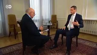 Dziennikarz Deutsche Welle obnaża głupotę i kłamstwa Morawieckiego! Posłuchajcie.