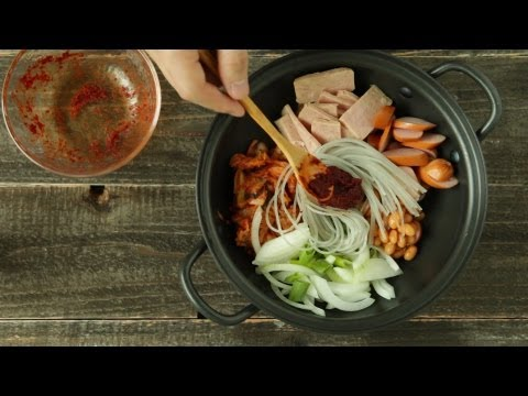 [korean food] spicy sausage stew, army camp stew, budae jjigae, 부대찌개