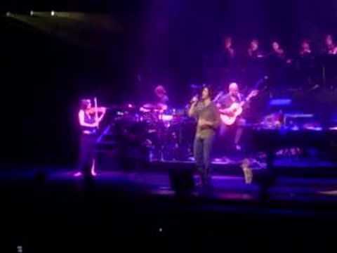 Tekst piosenki Josh Groban - Hymne a l'Amour po polsku
