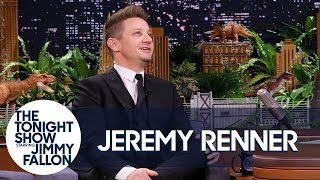 Video Jeremy Renner and His Avengers Co-Stars Have an Epic Group Text MP3, 3GP, MP4, WEBM, AVI, FLV November 2018