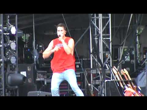 Video Russell Dickerson -   Yours @ Country USA 2018 download in MP3, 3GP, MP4, WEBM, AVI, FLV January 2017