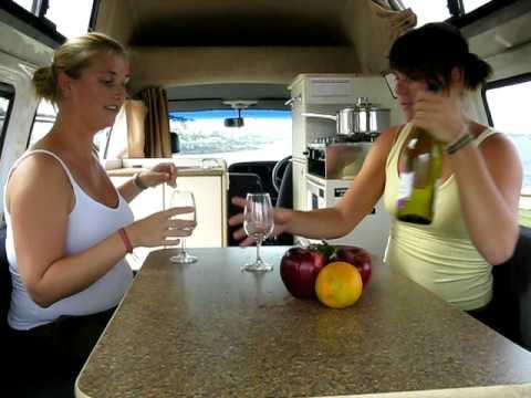 campervan hire in Australia - Dutch girls on tour!