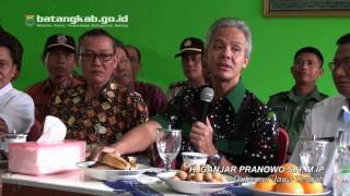 Gubernur Ganjar Pranowo Meninjau Pelaksanaan UNBK di SMA Negeri 1 Subah