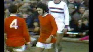 George Best erzielt sechs Tore in einem Spiel