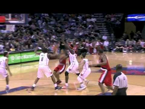 Andre Miller to LaMarcus Aldridge against Bobcats