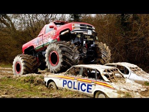 Monster Truck Challenge: Link Up TV vs Car Throttle