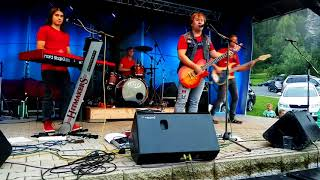 Video Hitmakers - Láska jak trám -Klokočí live