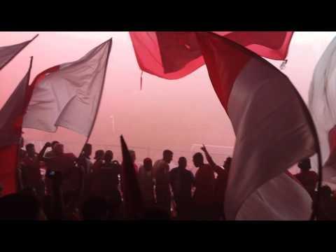 Una locura el recibimiento! - Independiente 1 - Racing 1 - La Barra del Rojo - Independiente - Argentina - América del Sur