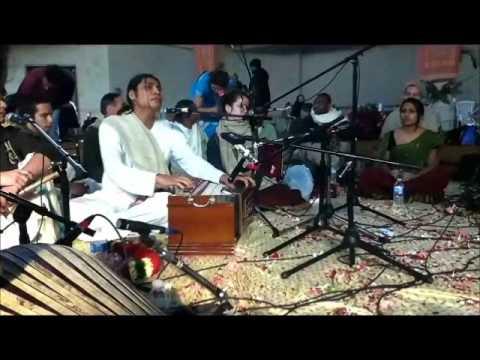 Video Ashtaprahar 02,20,2011 - Toronto 24-Hour Kirtan Festival - 3 - Hari Bhakti & Ajamil Das download in MP3, 3GP, MP4, WEBM, AVI, FLV January 2017