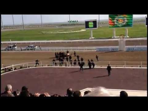 La vidéo de la chute de cheval du président du Turkménistan