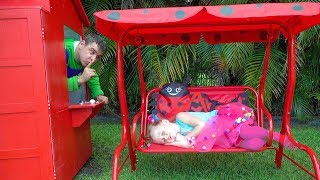 Video Stacy and Dad repairing playhouses MP3, 3GP, MP4, WEBM, AVI, FLV April 2019