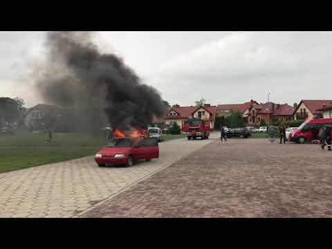 Wideo1: Pokaz strażacki na Pikniku Naukowym w Piaskach