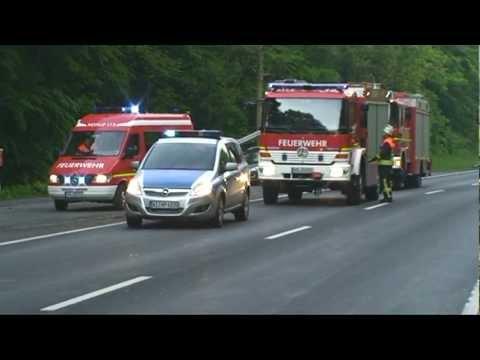 Bad Arolsen: Motorrad rammt Sattelzug