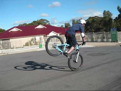 Extreme Mountian Bike Stunts