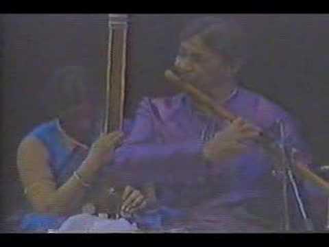 Rag Bhupali (1 of 2) - Pt.Hariprasad Chaurasia (bansuri)