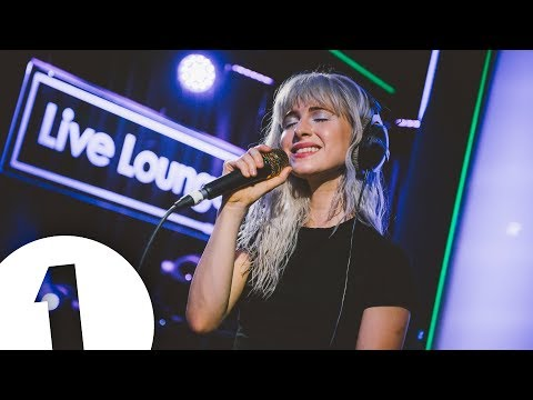 Paramore - Drake's Passionfruit (cover). From BBC Radio 1 Live Lounge.
