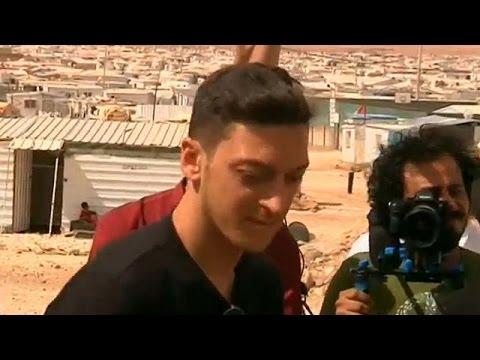 Ιορδανία: Ο Μεσούτ Εζίλ διδάσκει στα προσφυγόπουλα τα «μυστικά της μπάλας»