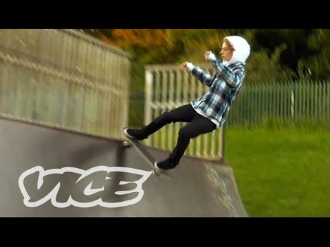 England - First, Winston Whitter gives us a history of skateboarding in London. Later, some local amateurs take us around to England's best skate spots. Originally rel...