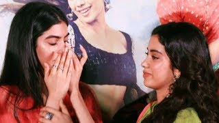 Video Khushi Kapoor cries inconsolably as she hugs Janhvi Kapoor | Dhadak Trailer MP3, 3GP, MP4, WEBM, AVI, FLV Januari 2019