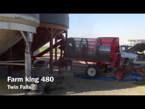 Seed Cleaning Machine - Farm king 480 cleaning seed wheat.