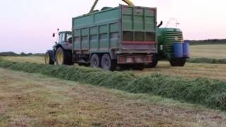 Lloyd Forbes cutting silage with his John Deere 7700i, drawing was 6170m with a smyth, 2 6920s and 6830 with thorpes... On the rake was a tm155.Filmed near Cork Airport on the 24/05/2016.Thanks to all involved Facebook page: https://www.facebook.com/agrivideoscork