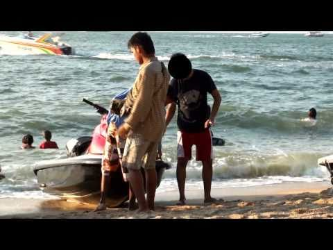 Scam - Pattaya Beach jet ski scammers captured on video extorting tourists for bogus damage. Thailand Undercover captured the entire event on video!