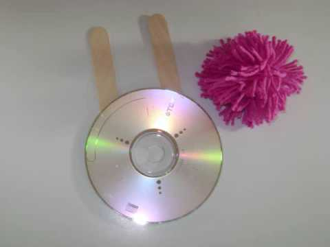 Recycler un CD en machine à faire des pompons