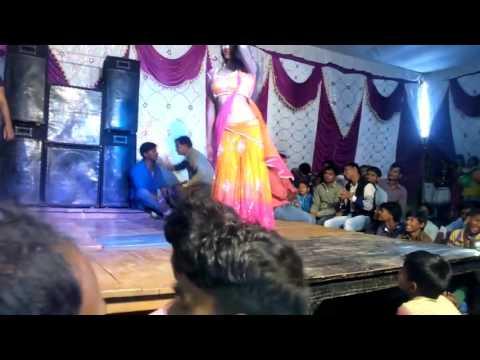 Video bhojpuri arkesta song kamriya tute re nandi download in MP3, 3GP, MP4, WEBM, AVI, FLV January 2017