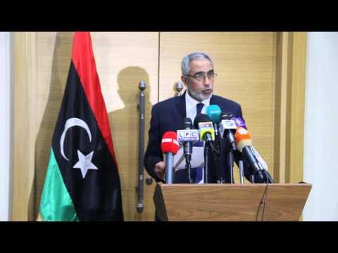 مؤتمر صحفي لرئيس حكومة الإنقاذ الوطني عمر الحاسي