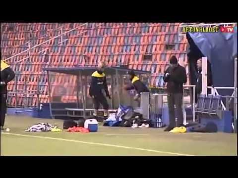 Златан Ибрагимович уебал с ноги Ола Тойвонена!