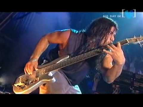 tolls - live in bag day out with amazing bass solo fo robert trujillo for whom the bell tolls song' metallica.