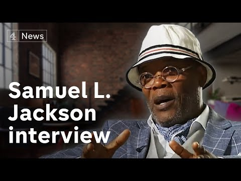 Samuel L Jacksons' gives a solid interview to the worst interviewer.