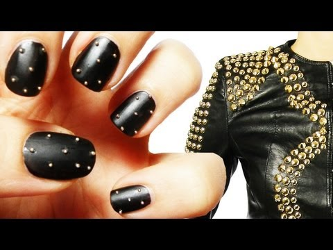 nail art with studs