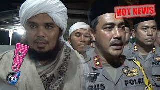 Video Hot News! Sahabat dan Pejabat Hadiri Pemakaman Ibunda Ustad Abdul Somad - Cumicam 19 Maret 2019 MP3, 3GP, MP4, WEBM, AVI, FLV Maret 2019