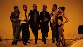 The Kik - Stad en LandSpotify: http://bit.ly/stadspotiTunes: http://bit.ly/stadenlandDeezer: http://bit.ly/deezstadApple Music: http://bit.ly/kikstadBol.com (LP): http://bit.ly/stadbolBol.com (CD): http://bit.ly/landbolPlato (LP): http://bit.ly/stadplatoPlato (CD): http://bit.ly/landplatoHaal nu je kaartjes voor de najaarstour van Stad en Land: http://showcase.fm/thekikVideo door Bastiaan Bosma opgenomen in Barcelona tijdens Gambeat weekend VI 2016-----Top Notch werd bekend met uitgaven van Nederlandse hiphop. Tegenwoordig geven we allerlei soorten muziek, films en boeken uit. Top Notch is marktleider van de Nederlandse hiphop en een van de meest succesvolle independent labels in zowel Nederland als België.Bekijk ook onze playlists:Populaire video's: http://bit.ly/1zAjdX7De Jeugd van Tegenwoordig: http://bit.ly/17sRfa4Ronnie Flex: http://bit.ly/19eNmGgLil Kleine: http://bit.ly/1RVfBItLijpe: http://bit.ly/1TW8O8NCho: http://bit.ly/1YaQM2yBroederliefde: http://bit.ly/1TW9P0ESFB: http://bit.ly/1su5gyCKenny B: http://bit.ly/1RVfv3zJayh: http://bit.ly/1Mj1fT4Bokoesam: http://bit.ly/2e8f6UJAres: http://bit.ly/17sN5iDSBMG: http://bit.ly/19eN5DsFresku: http://bit.ly/1EloaaASef: http://bit.ly/1J8EuCcTopNotchclassics: http://bit.ly/1zcCNtnhttps://twitter.com/TopNotchNL https://www.facebook.com/TopNotchNL http://instagram.com/topnotchnl http://www.top-notch.nl/https://www.snapchat.com/add/topnotchnl