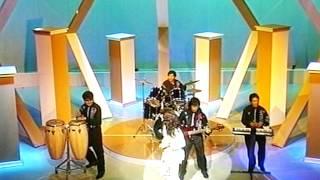 Download Lagu GRUPO SOMBRAS CON DANIEL AGOSTINI   NIÑA CAPRICHOSA Mp3