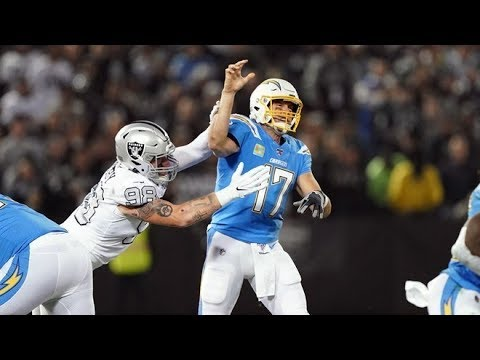 Oakland Raiders Beat Los Angeles Chargers 24 - 26