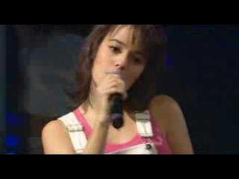 Alizée - A Contre-Courant (Live - En Concert 2004) (видео)