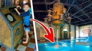 PRANK & CACHE-CACHE DANS UNE PISCINE ! - Aire de Jeux Aquatiques d'Efteling