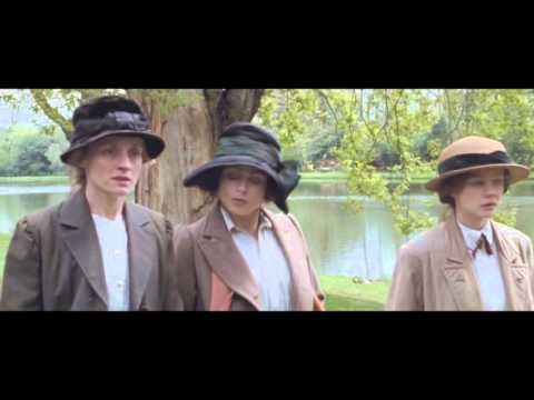 Suffragette (Featurette 'Sisterhood')