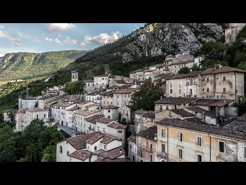 I Explored An Abandoned Italian GHOST CITY - Hundreds of houses with everything left behind