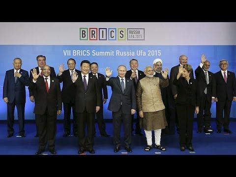 Πούτιν: «Από το 2016 η λειτουργία της αναπτυξιακής τράπεζας των BRICS»