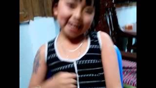 Hot boy xăm trổ bị bé gái 9 tuổi dậy đời