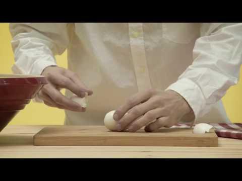 ¿Quieres aprender a pelar un huevo fácilmente?
