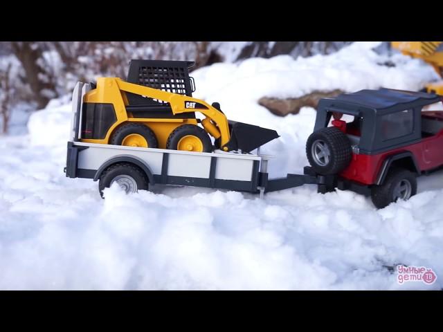 BRUDER. Мультики про машинки. История с Джипом и минипогрузчиком в лесу. История игрушек. Jeep