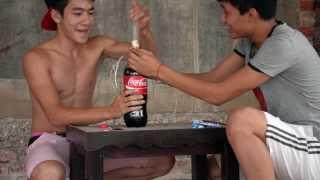 Thí Nghiệm: Bao Cao Su +CoCaCola + Mentos =))